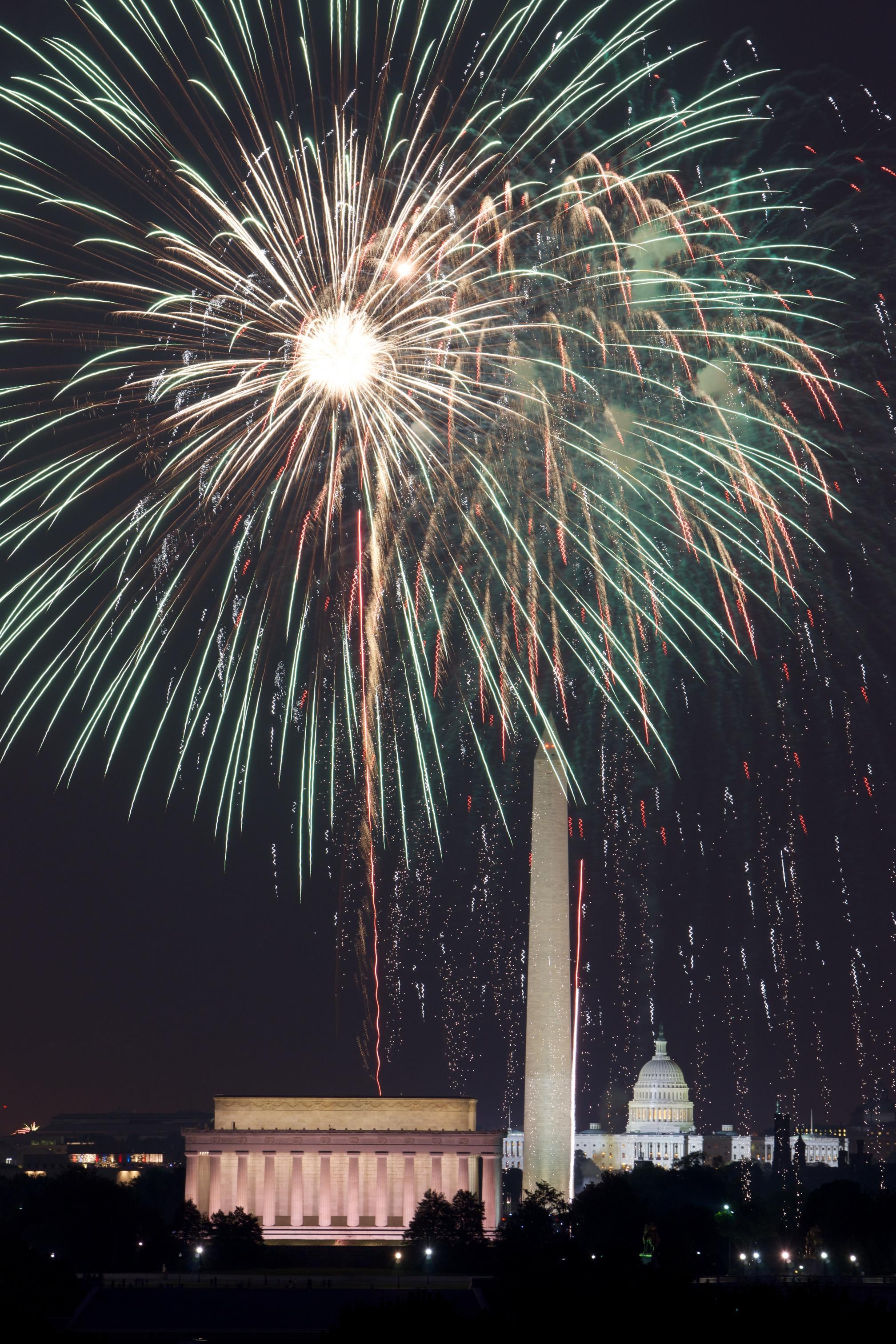 DC-Fireworks-_DSC5543.ARW2011-07-04.jpg